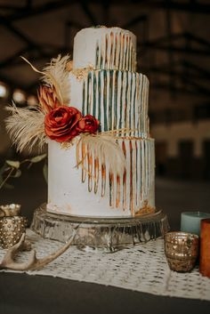 31 Bohemian Wedding Cakes For Every Bride To Stand Out - Yes Delicious! Boho Wedding, Rustic Wedding, Dream Wedding, Purple Wedding, Floral Wedding, Ethnic Wedding, Maroon Wedding, Wedding Cake Designs, Wedding Cake Toppers