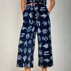 LINEN/RAYON PANTS-PRICE IS FIRM NAVY BLUE/WHITE LINED PANTS-SHELL IS 50%RAYON-50% LINEN-LINING 100% COTTON-LEAVES AND PLANT DESIGNS-WIDE LEG ABOVE THE ANKLE-LOOK FOR THE MATCHING TOP-FRONT POCKETS-SIDE ZIPPER AND HOOK Do + Be Pants Ankle & Cropped