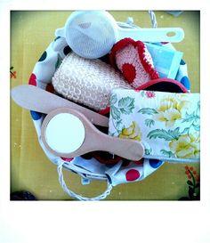 Panera dels tresors Montessori, Sunglasses Case, Basket, Bread Baskets, Bebe