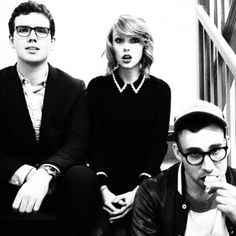 http://taylorswift.tumblr.com/post/115157438900/Happy Birthday, @jackantonoff! May you always keep your youthful enthusiasm, showcased in this photo.