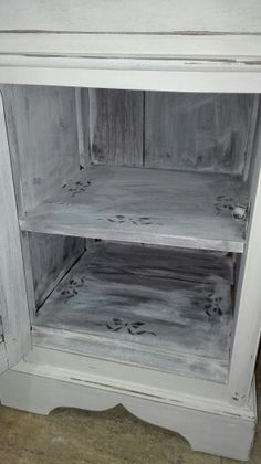 Hand made shabby chic vintage retro french chalk Paint bedside table by DesignArt