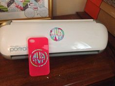 Circle Monogram Tip: Getting Two Monograms for One with Silhouette ~ Silhouette School