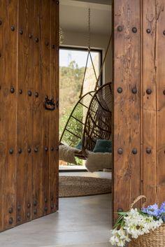 Home Design Plans, Home Interior Design, Interior And Exterior, Exterior Design, Gate Design, Door Design, House Design, Wooden Front Doors, Rustic Doors