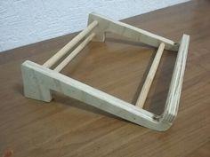 Base stand para Laptop. My sencillo en triplay o laminado. Útil también para teclado convencional hobbycarpinteria.blogspot.mx