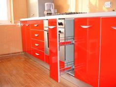 Mobila bucatarie lucios Cos Joly pentru sticle Cos, Kitchen, Design, Home Decor, Cooking, Decoration Home, Room Decor, Kitchens, Cucina
