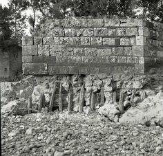 """L'archeologo Giancarlo Pastura ci porta oggi a conoscere il """"Ponte di Augusto"""" simbolo araldico di  Orte che collega le due sponde del fiume Tevere."""