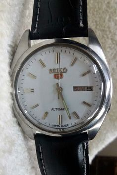 Vintage Seiko 5 Automatic Day-Date 17-Jewels Men's Wrist Watch AS-17