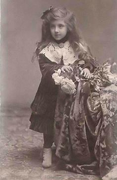 Princess Ileana of Romania Gallery Romanian Royal Family, Young Prince, Rare Pictures, Prince And Princess, Ferdinand, Descendants, Queen Anne, Vintage Art, Marie