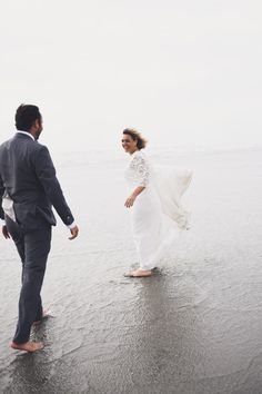 #photographie #photography #mer #beach #afterday #couple #happymoments #manon #debeurme #photographe #photographer #lille #nord #france Happy Moments, France, Couples, Wedding Dresses, Beach, Photography, Bride Dresses, Bridal Gowns, The Beach