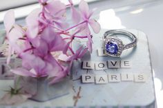 18 KT white gold ring with Tanzanite and diamonds.