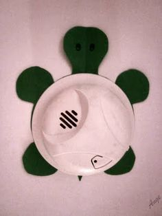 http://www.mobilehomecaretips.com/smokedetectoroptions.php has numerous bits of information about smoke detectors