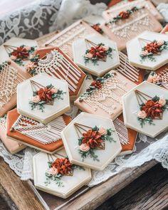 Fondant Cookies, Cupcakes, Cupcake Cookies, Fancy Cookies, Iced Cookies, Sugar Cookies, Wedding Shower Cookies, Bridal Shower, Royal Icing Decorated Cookies
