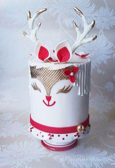 """Christmas Cake """"Double Barrel Reinder Cake"""" - cake by carolina Wachter Christmas Themed Cake, Christmas Cupcakes, Christmas Sweets, Christmas Baking, Merry Christmas, Fancy Cakes, Cute Cakes, Pink Cakes, Fondant Cakes"""