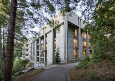 Biblioteca McHenry / Marcel Breuer