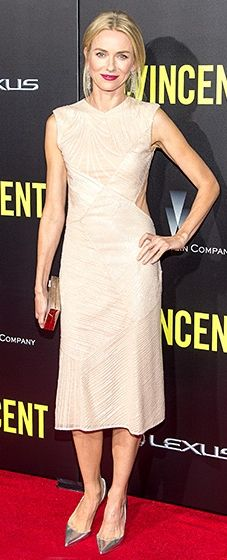 Naomi Watts looked amazing on the red carpet in a sequined Jason Wu dress. She paired the look with silver Christian Louboutin pumps and a Lee Savage clutch.