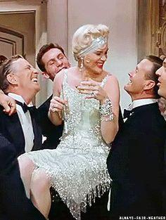 Singin´ in the rain, Stanley Donen y Gene Kelly, 1952.MGM. Jean Hagen con un elegante vestido diseñado por Walter Plunkett y peinado de Sydney Guilaroff.