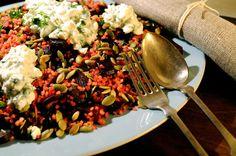 Bulgursalat med rødbede og dild-hytteost