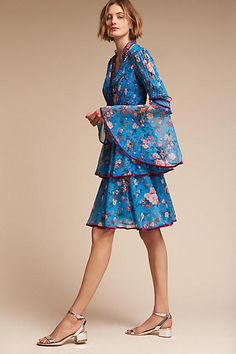 Anthropologie Easton Flower dress with wide sleeve  ❤@Tonjaamenra