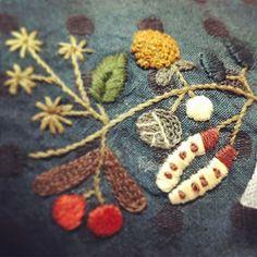 #핸드메이드 #프랑스자수 #embroidery #자수타그램 #유미코히구치 도안#요만큼 해놓고 포기해버리고 싶었음#이제 20%~~~
