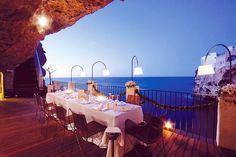 ¿Y si tu regalo de San Valentín fuera regalarle una cena en el restaurante más romántico del mundo?