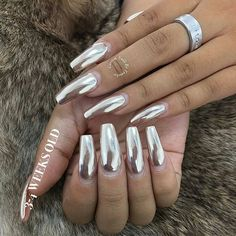 """3-4 weeks no chipping! ✨ Shop for #ChromePowder at DAILYCHARME.COM! .  Via @customtnails1 - """" FOUNDATION IS YOUR FRIEND"""" ✔️ 3-4 WEEKS OLD ✔️CLIENT GOT NEW SET WITH CHROME FROM @daily_charme I used @the_gelbottle_inc #1COAT OF #rubbertop  1) COAT OF @naillabousa SEMI-hard gel TOP COAT YOU CAN ALSO USE ANY BUILDER GEL... This is just my Technique  IF YOU WANT TO SEE MORE TIPS COMMENT BELOW!!!!!  PICTURE HAS NO FILTER  #customtnails#tipoftheday#lanailartist#custom#chromenails#founda... Stiletto Nails, Coffin Nails, Crome Nails, Long Fingernails, Chrome Powder, Formal Makeup, Gel Top Coat, Nail Games, Holographic Nails"""