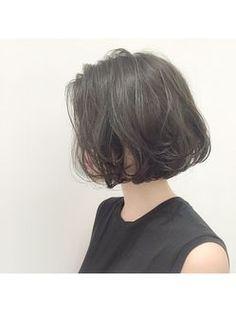 above the shoulder bob Asian Short Hair, Girl Short Hair, Short Hair Cuts, Cut My Hair, Her Hair, Messy Hairstyles, Pretty Hairstyles, Medium Hair Styles, Curly Hair Styles