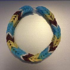 Rainbow Loom Bracelets Easy, Rainbow Loom Charms, Fishtail Loom Bracelet, Money Origami, Ribbon Sculpture, Boutique Hair Bows, Loom Bands, Pebble Art, Bracelet Sizes