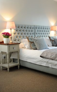 Evertsdal Guest House is situated in Durbanville, a village famous for its wine route that boasts many well-known wineries along the outskirts. Cape Town Accommodation, Wedding Breakfast, Old Farm, Double Bedroom, South Africa, Flat Screen, Lunch, Rooms, Warm