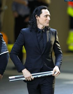 Tom Nippleston - catedevalois: coporolight: Tom Hiddleston...