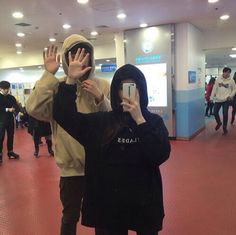 friendship goals boy and girl squad korea - friendship goals boy and girl squad - friendship goals boy and girl squad korea Boy Best Friend Pictures, Boy And Girl Best Friends, Korean Best Friends, Korean Girl Ulzzang, Couple Ulzzang, Best Friends Aesthetic, Couple Aesthetic, Night Aesthetic, Summer Aesthetic
