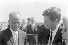 1962 President Kennedy & John Glenn Photographer:Michael Rougier