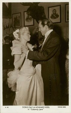 Doris Day and Howard Keel in Calamity Jane Howard Shoup Costume Designer Classic Movie Stars, Classic Movies, Old Hollywood Stars, Classic Hollywood, Doris Day Movies, Howard Keel, Calamity Jane, Day Designer, Star Pictures
