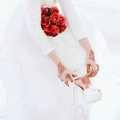 Must have guidance along with tips on ladies shoes and boots. Shoes For Girls. Stylish Dpz, Stylish Girl, Beautiful Hands, Beautiful Bride, Beautiful Shoes, Beautiful Flowers, Hijab Style Tutorial, Dps For Girls, Girlz Dpz