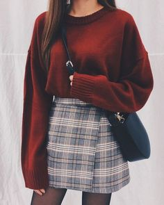 Damen Rock Outfit - Chi yeon - - Damen Rock Outfit - Chi yeon Source by pinthroughcom skirt outfits Rock Outfits, Basic Outfits, Cute Casual Outfits, Classy School Outfits, Casual Shoes, Winter School Outfits, Stylish Outfits, 6th Form Outfits, Red And Black Outfits