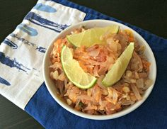 Pomelo salad with carrots, coconut, peanuts and a sweet Asian inspired dressing. Vegan Gluten Free, Gluten Free Recipes, Indian Food Recipes, Ethnic Recipes, Lunch To Go, Gluten Free Breakfasts, Soup And Salad, Quick Easy Meals
