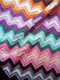 CROCHET PATTERN FOR VANDYKE KNEE  RUG 8ply  # 75
