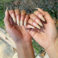 Almond Nails Designs, Nail Designs, Love Nails, Pretty Nails, Long Almond Nails, Long Natural Nails, Curved Nails, Nail Trends, Nails On Fleek