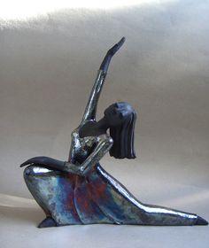 Raku-Figur Flashdance von Margit Hohenberger