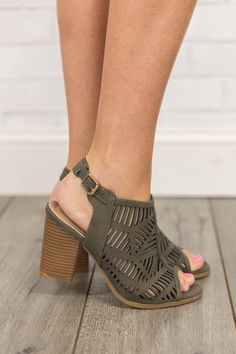With a gorgeous olive green color and bold laser-cut details 5ac752d163