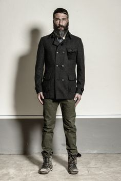 Giaccone in lana (composizione: 75% lana, 20% acrilico, 5% altro) http://www.flooly.com/it/cappotto-hotel/15977