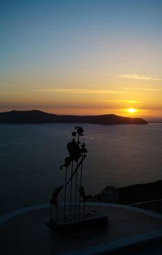 Keep Walking - Santorini / Fira