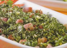 Refogado de couve com farinha de milho Ingredientes 1 maço de couve-manteiga 2… Seaweed Salad, Food And Drink, Vegan, Fruit, Vegetables, Ethnic Recipes, Mix, Millet Flour, Olive Oil