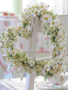 Daisy Heart Wreath   #picmonkey #pinyourlove
