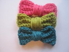 omigosh, adorable bows!! add to headbands, blankets...anything!!!    this site it awesome, by the way!!:::  Crochet Spot » Free Crochet Patterns - Crochet Patterns, Tutorials and News
