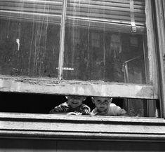 Vivian Maier.  #photography #blackandwhite  #kids #window