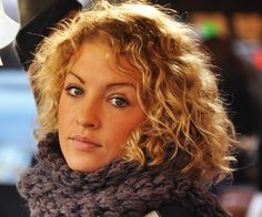curly blonde 30 Spectacular Curly Bob Hairstyles