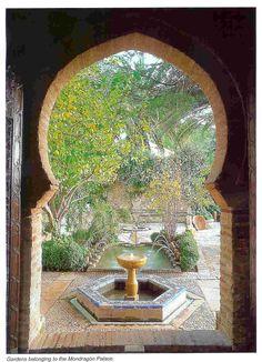 I never thought or a hexagon garden ...I dream of having an Arabic garden