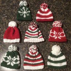 Ravelry: Mini Hats pattern by Anna Nikipirowicz Knitted Christmas Decorations, Knit Christmas Ornaments, Knitted Christmas Stockings, Christmas Knitting Patterns, Noel Christmas, Knitting Patterns Free, Free Knitting, Xmas, Knitting Projects