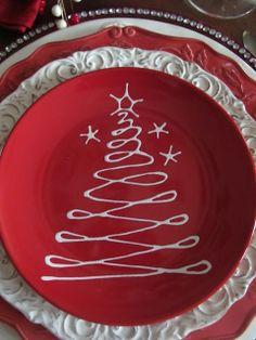 Red & white Christmas holiday place setting ToniK Տ℮ʈ ìʈ Up holiday ideas