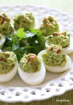 Guacamole Deviled Eggs – a delicious, low-carb #whole30 appetizer or lunch!